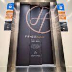 Recouvrement complet d'ascenseur en adhésif permanent sur mesure